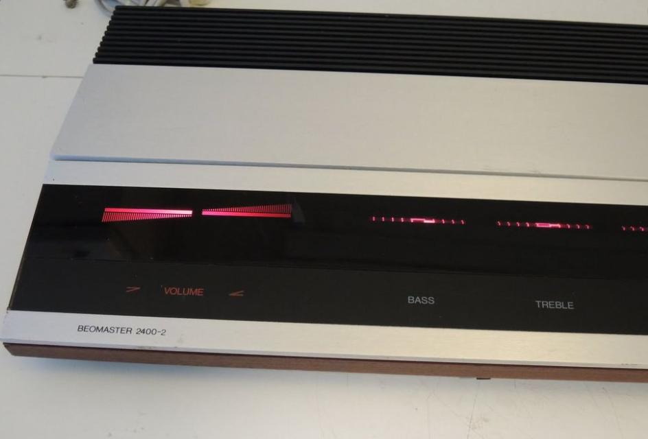 Reparacion Radios Antiguas - B&O Beomaster 2400-2 Radioexperto.com
