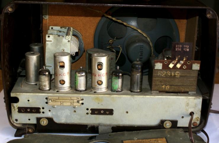 Reparacion Radios Antiguas Radiola RA 93A