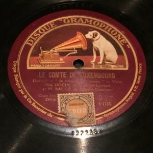 """disco pizarra gramofono """"Le Comte de Luxembourg"""" - Radioexperto.com"""